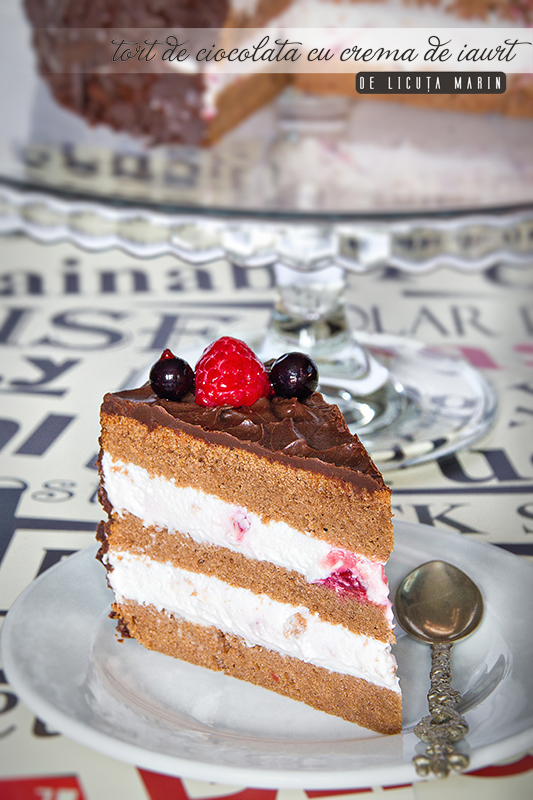 Tort de ciocolata cu crema de iaurt Nutriday
