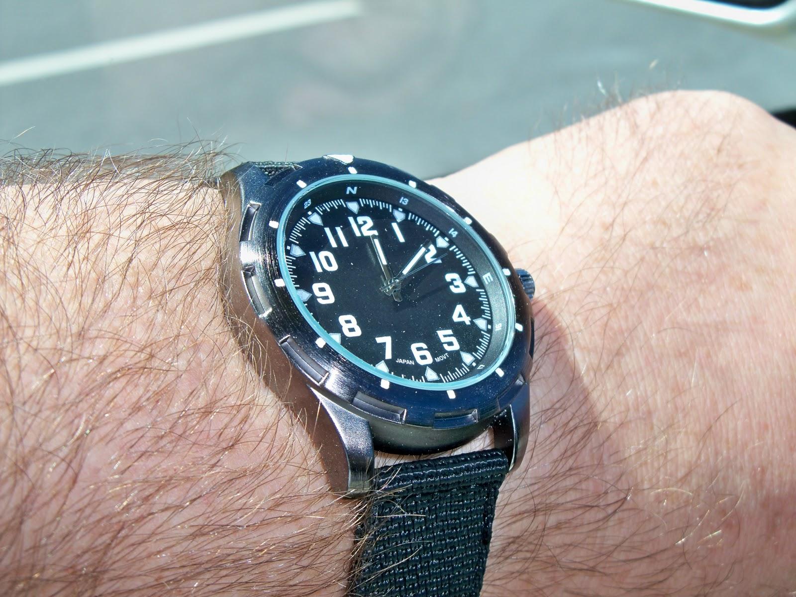 timex menu0027s indiglo rugged field chronograph watch