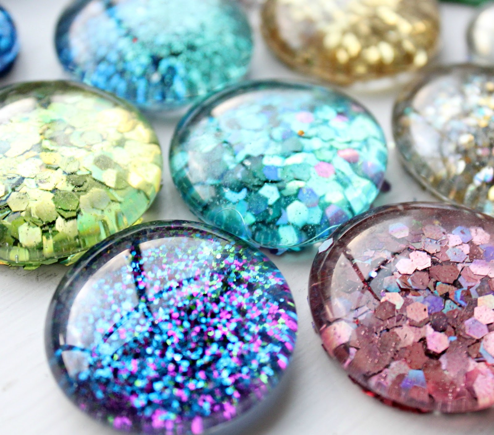 365 Days of Pinterest Day 15 ~ DIY GLITTER Magnets!