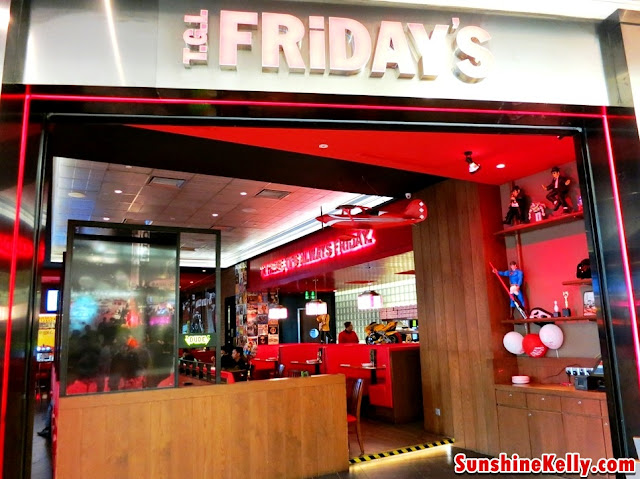 T.G.I Fridays, Paradigm Mall
