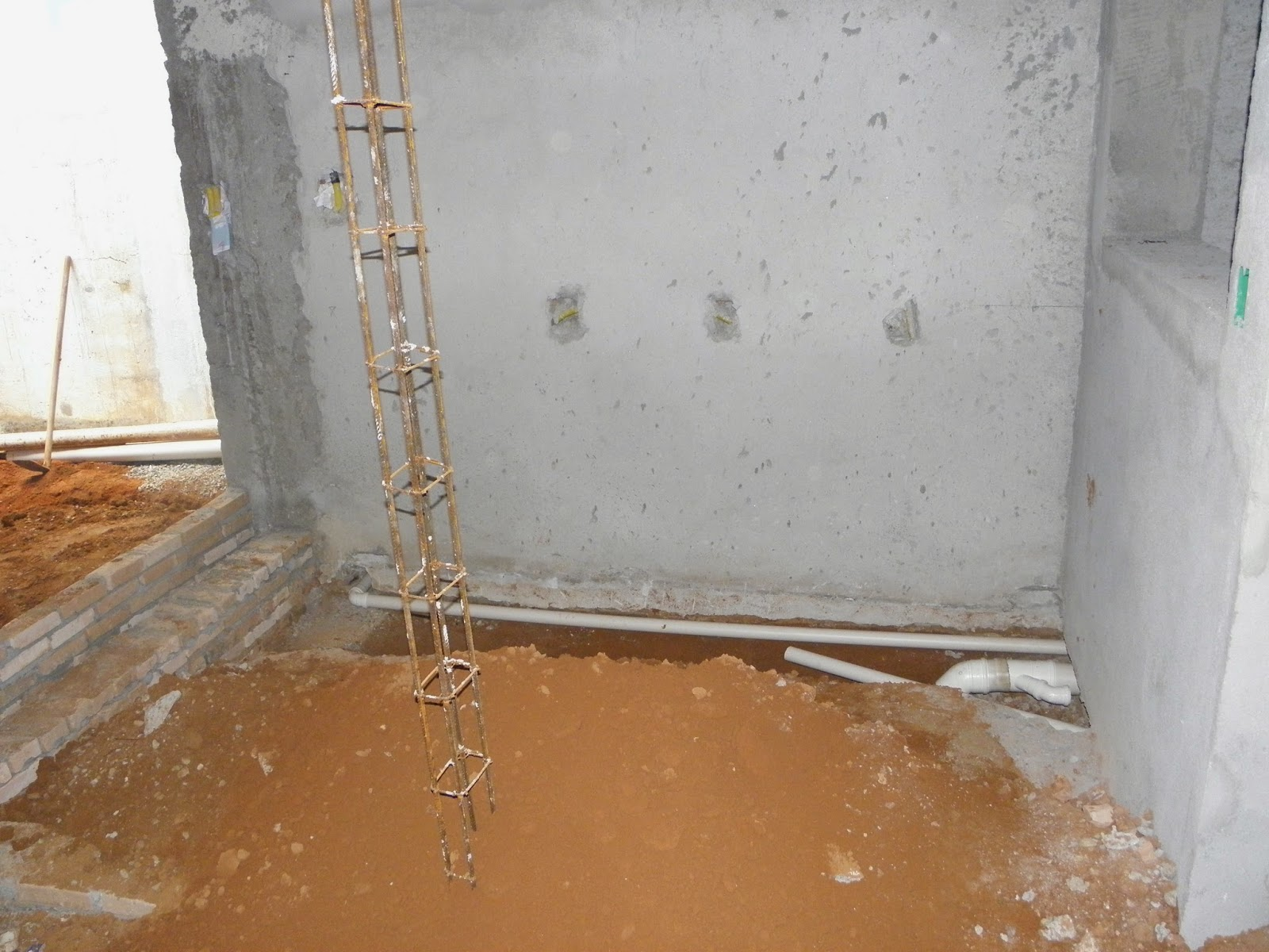 cano do exaustor do banheiro rente à parede   cano do exaustor de  #91623A 1600x1200 Banheiro De Apartamento Com Exaustor