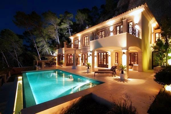 characteristics of mediterranean style houses - house interior