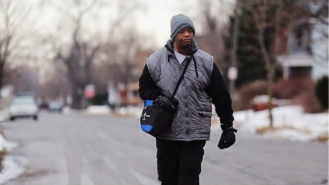 http://www.desafine.net/2015/02/hombre-que-camina-34-kilometros-para-ira-su-trabajo.html