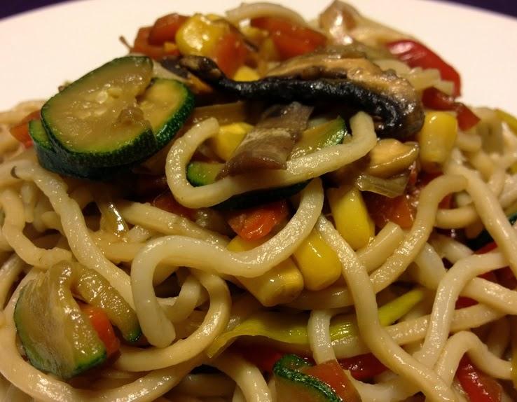 Noodles com Vegetais (vegana)