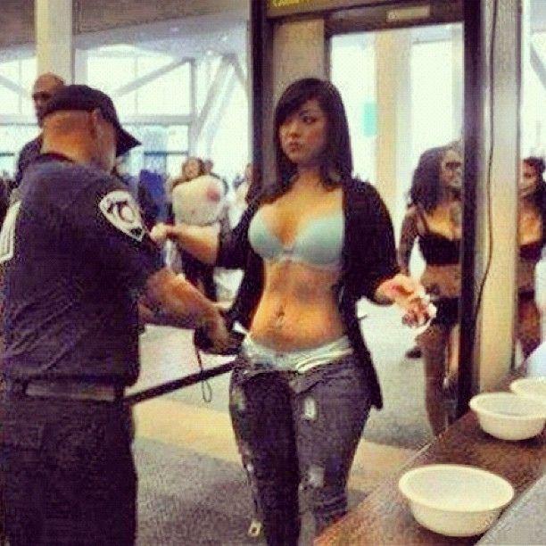 Pemeriksaan Keamanan Bandara yang Sangat Ketat dan Berlebihan -1