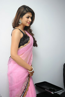 Shraddha Das Super Beautiful Pics in Peach Colored Designer Saree