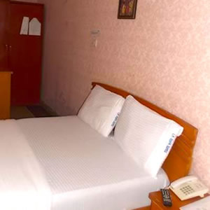 Laropa Hotels deluxe room
