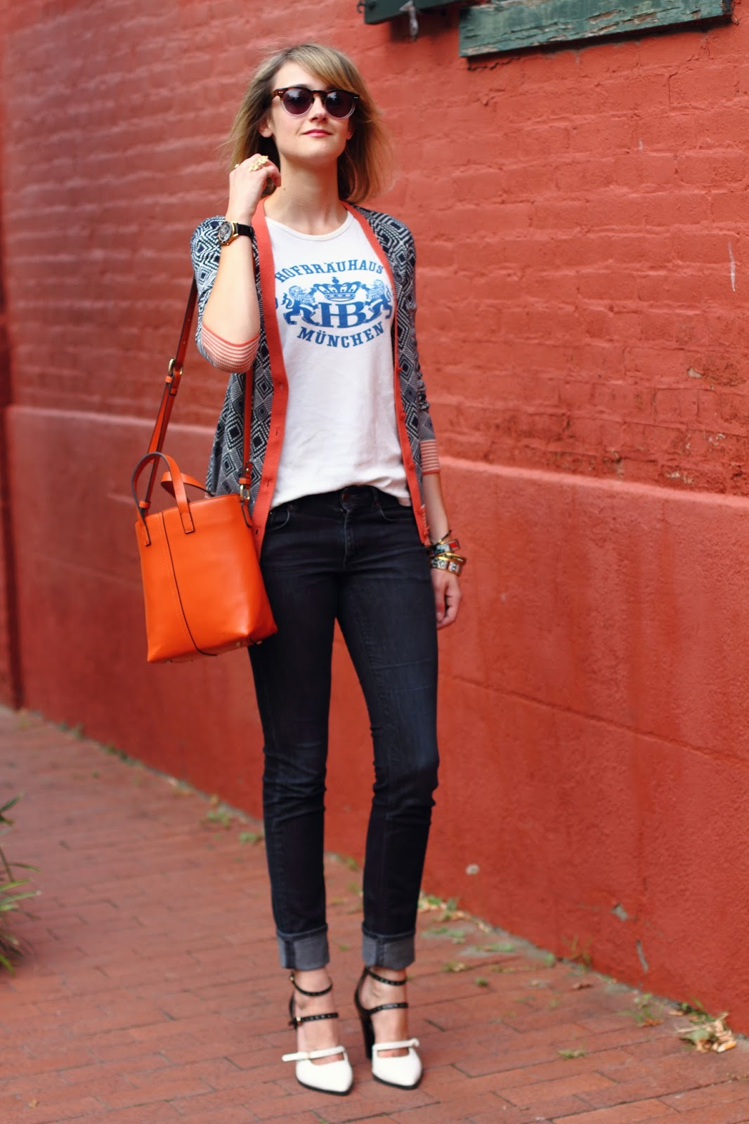 vintage Hofbrauhaus t-shirt, Tory Burch cardigan, and skinny jeans
