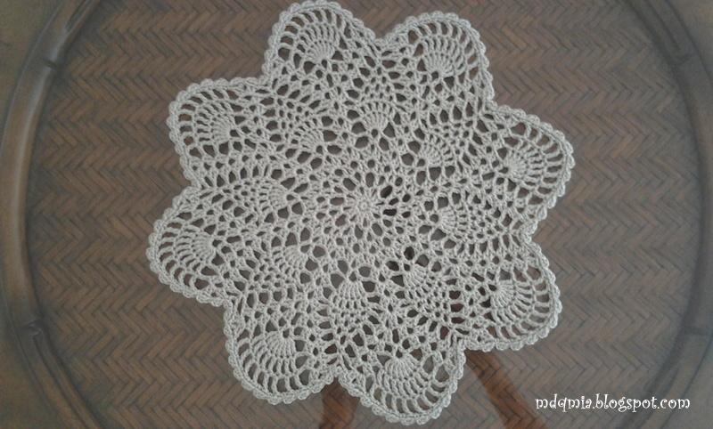 De aquí y de allá ...: Crochet Pineapple Doily