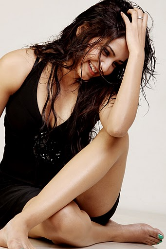 Samantha Wet Hair Pic1 - Samantha hot pics in Black Dress -Wet Hair - Latest