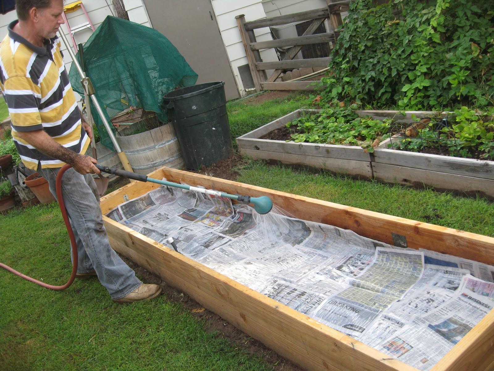 How to build a vegetable garden box - Saturday October 6 2012