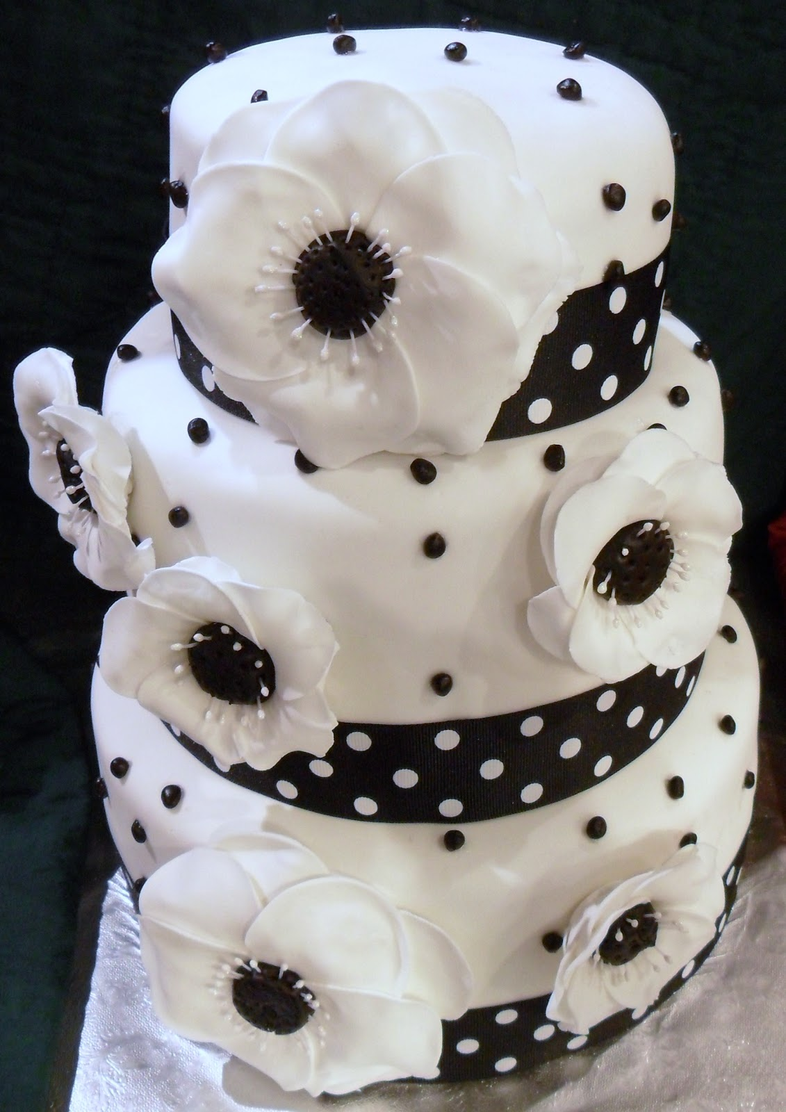 Larry the Cake Guy Black and White Wedding Cake