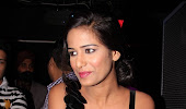 naughty exotic Poonam pandey hot photos gallery in black