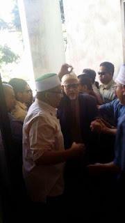 Mesyuarat Khas PAS Majoriti Mahu Khalid Kekal MB