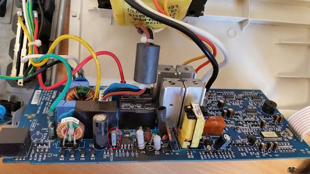 Uszkodzony kondensator