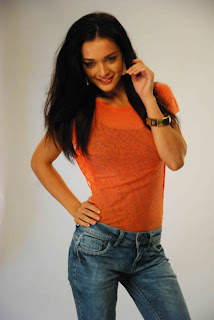 Actress Amy Jackson Hot In Jeans Photo Gallery