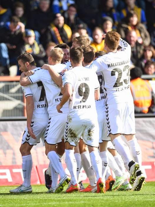 Eintracht Braunschweig 0 : 2 FC St. Pauli - 24ª rodada