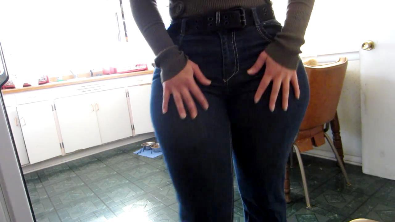 Mal Malloy Caderas Impresionantes   Amazing Hips