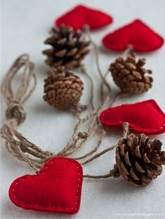 pingente natalino com pinhas