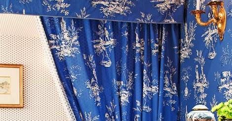 Aesthetic Oiseau: Blue Toile Bedroom