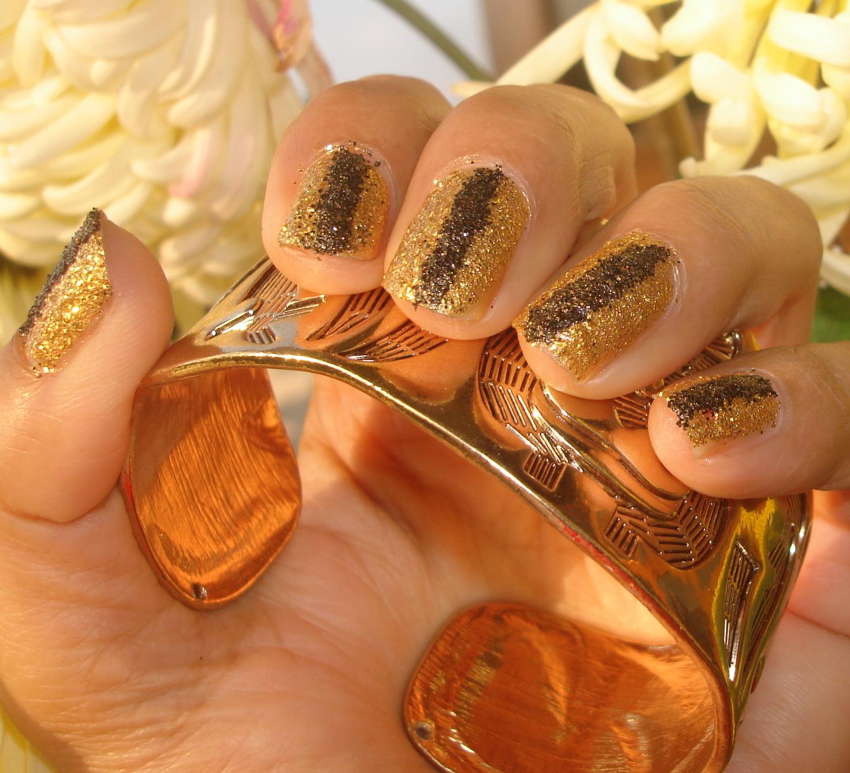 Фото ногтей черный с золотым