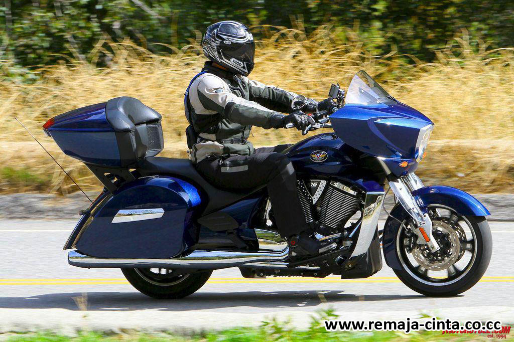 16.52 FOTO , MOTOR No comments