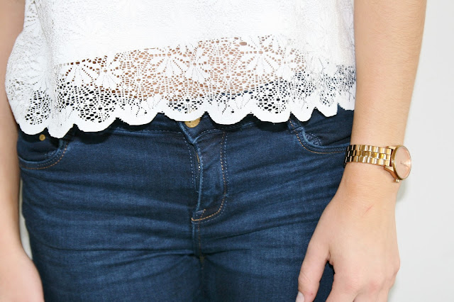 Katherine Penney Chic Blogger Fashion Style Ootd Summer Topshop White Lace Pretty Frills Cute Girlie Classic