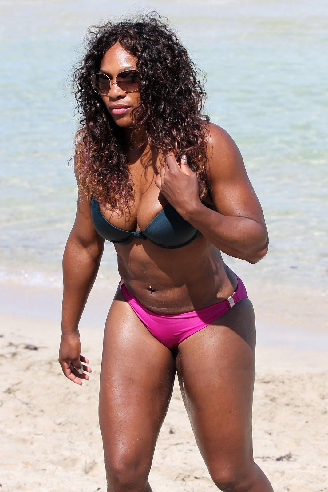 Fanny lu en bikini