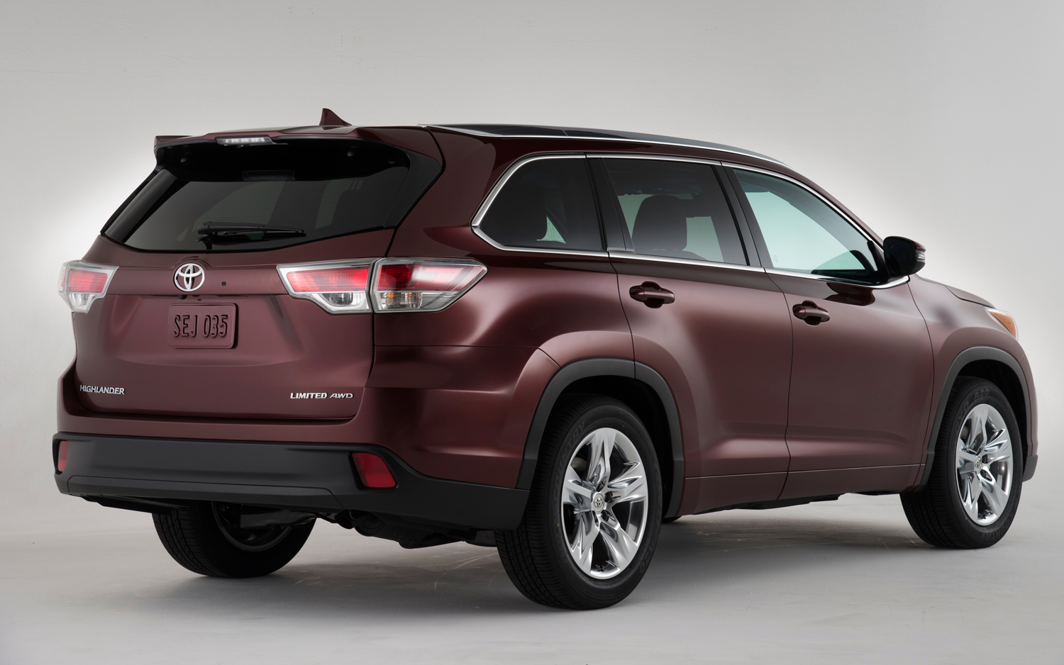 2014 Toyota Highlander Exterior Specs Against Pilot