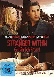 Un extraño en casa (2013) Online Latino