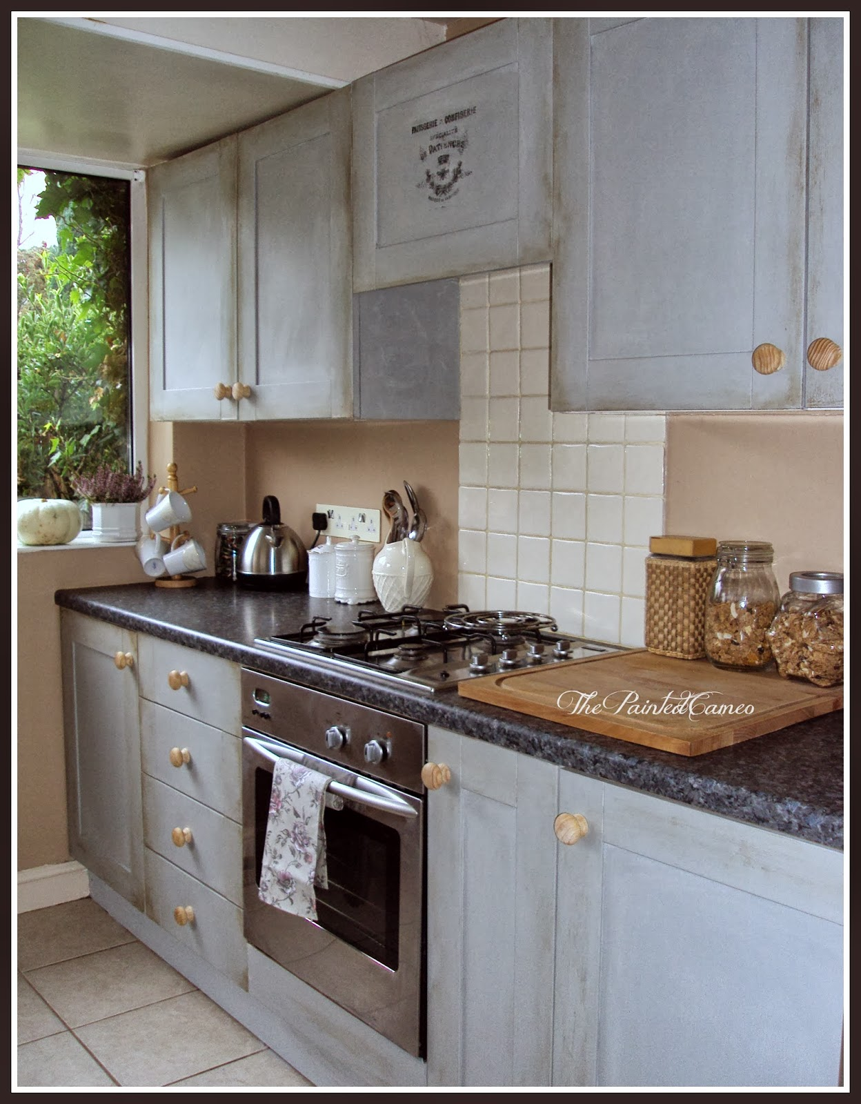 thepaintedcameo paris grey kitchen cabinets. Black Bedroom Furniture Sets. Home Design Ideas