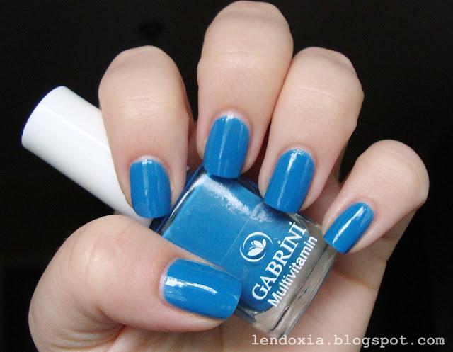 gabrini plavi lak za nokte