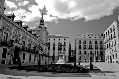 Plaza de la Villa (Madrid, España) by Guillermo Aldaya / AldayaPhoto
