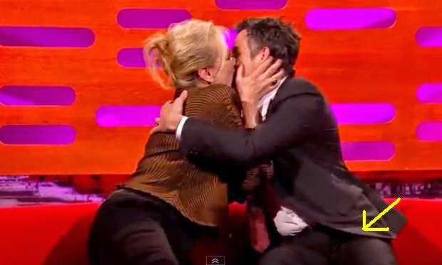 Meryl Streep Kisses Mark Ruffalo