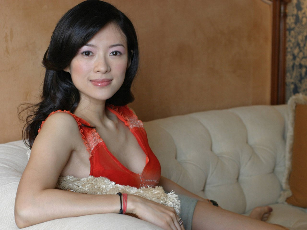 http://4.bp.blogspot.com/-G9A1J5mz_oI/T2CF8kVPgcI/AAAAAAAABhE/xDG_S5Qc1AU/s1600/Zhang+Ziyi+9.jpg