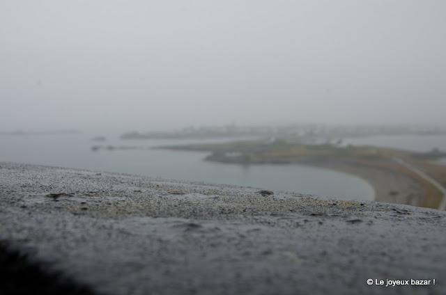 Bretagne - Ile de Sein sous la brume