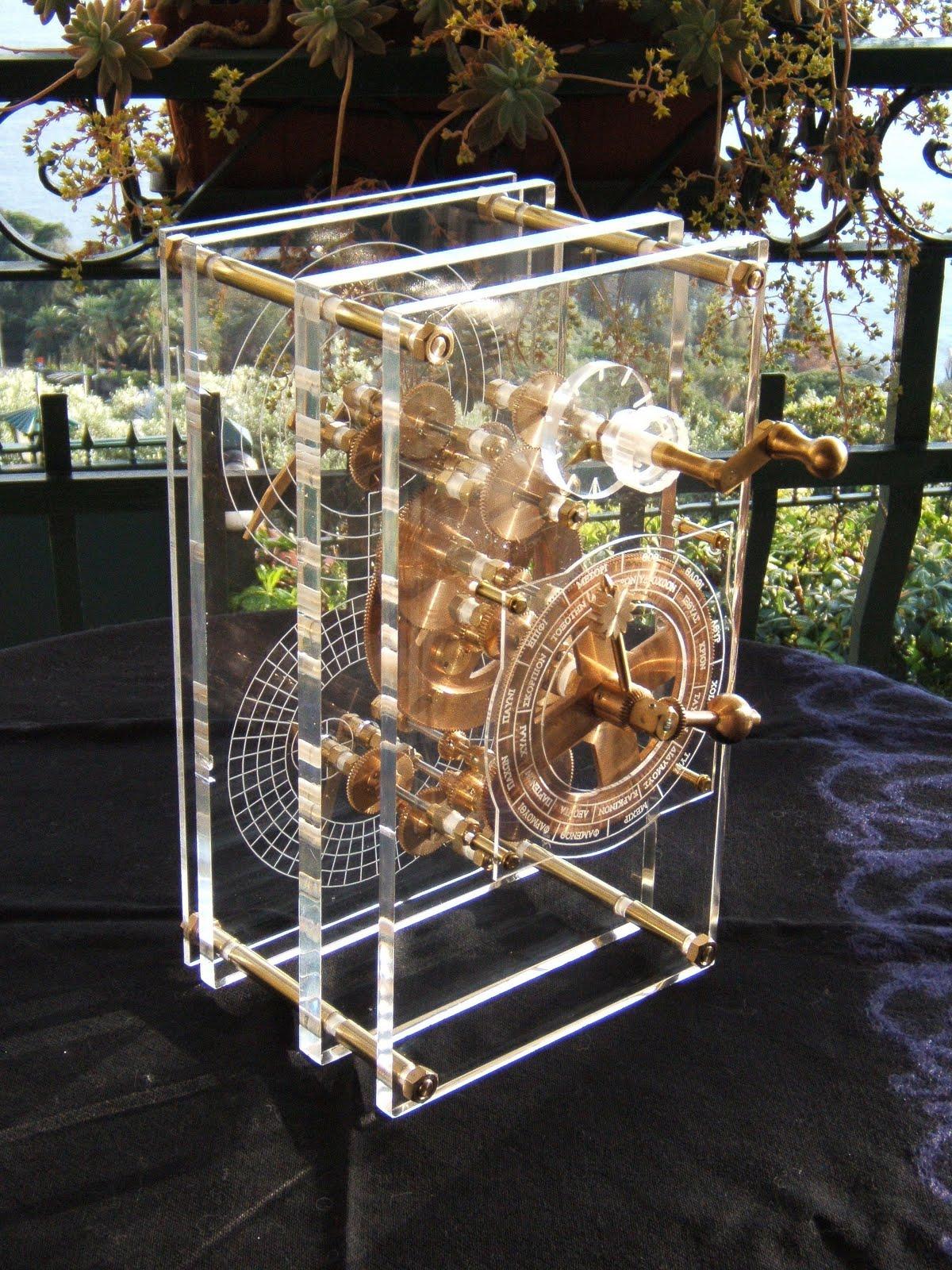 http://4.bp.blogspot.com/-G9AnGFNJvxc/TlpzFwwAPyI/AAAAAAAAANQ/Z6RQJjMGJwQ/s1600/Antikythera_model_front_panel_Mogi_Vicentini_2007.JPG