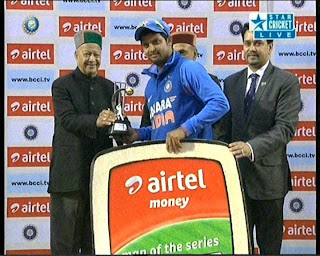 Suresh-Raina-Man-of-the-Series-v-England-2013