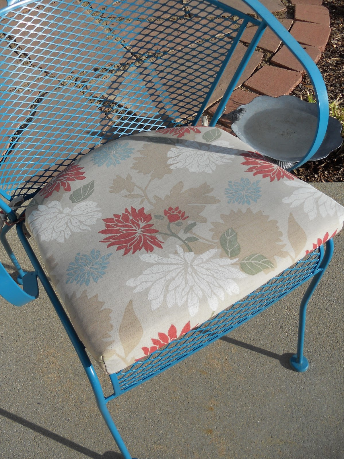 How To Recover An Outdoor Patio Cushion