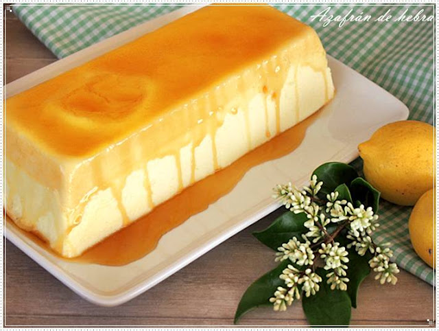 Pastel de gelatina de limón