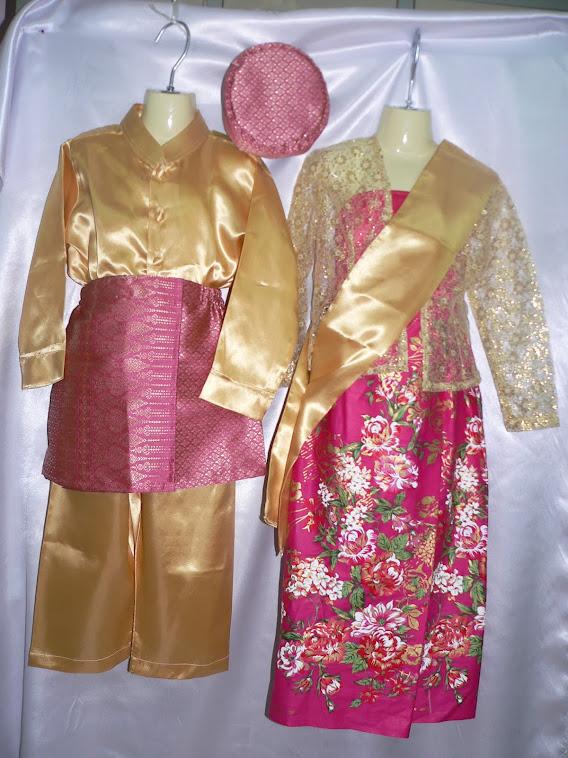 ชุดอาเซี่ยนประจำชาติอินโดนีเซีย เด็กชายพร้อมหมวก  ผู้หญิงพร้อมผ้าคลุมศีรษะ มีไซน์SSSจนถึงไซน์XXL