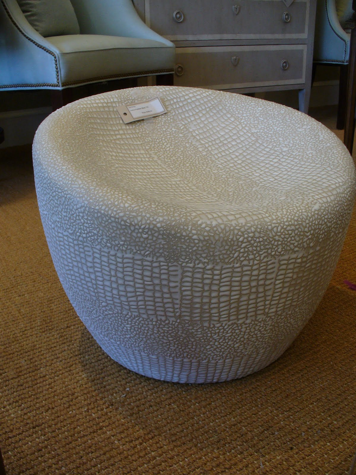 My notting hill blog - A Mod Indoor Outdoor Seat That S Made Of A Lightweight Ceramic