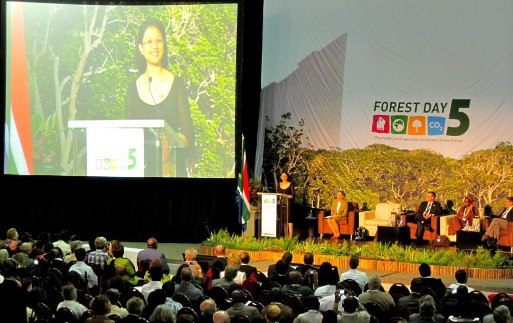 """Forest Day 6: """"Hutan dan Konservasi untuk Menyediakan Pangan"""""""
