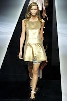 Ежедневна рокля златен металик Еmporio Аrmani пролет-лято 2013