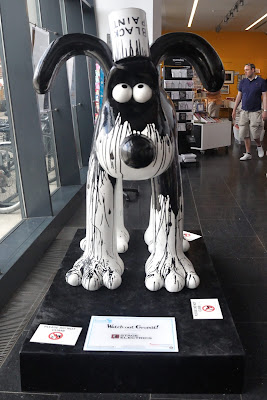 Watch Out Gromit! (front view)