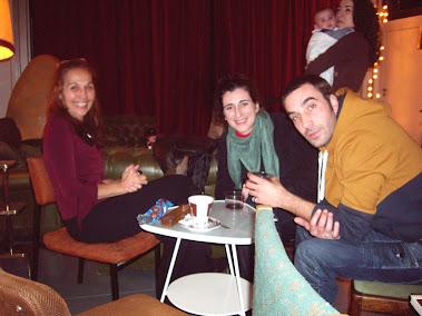 Con amigos en la inauguración en Madrid