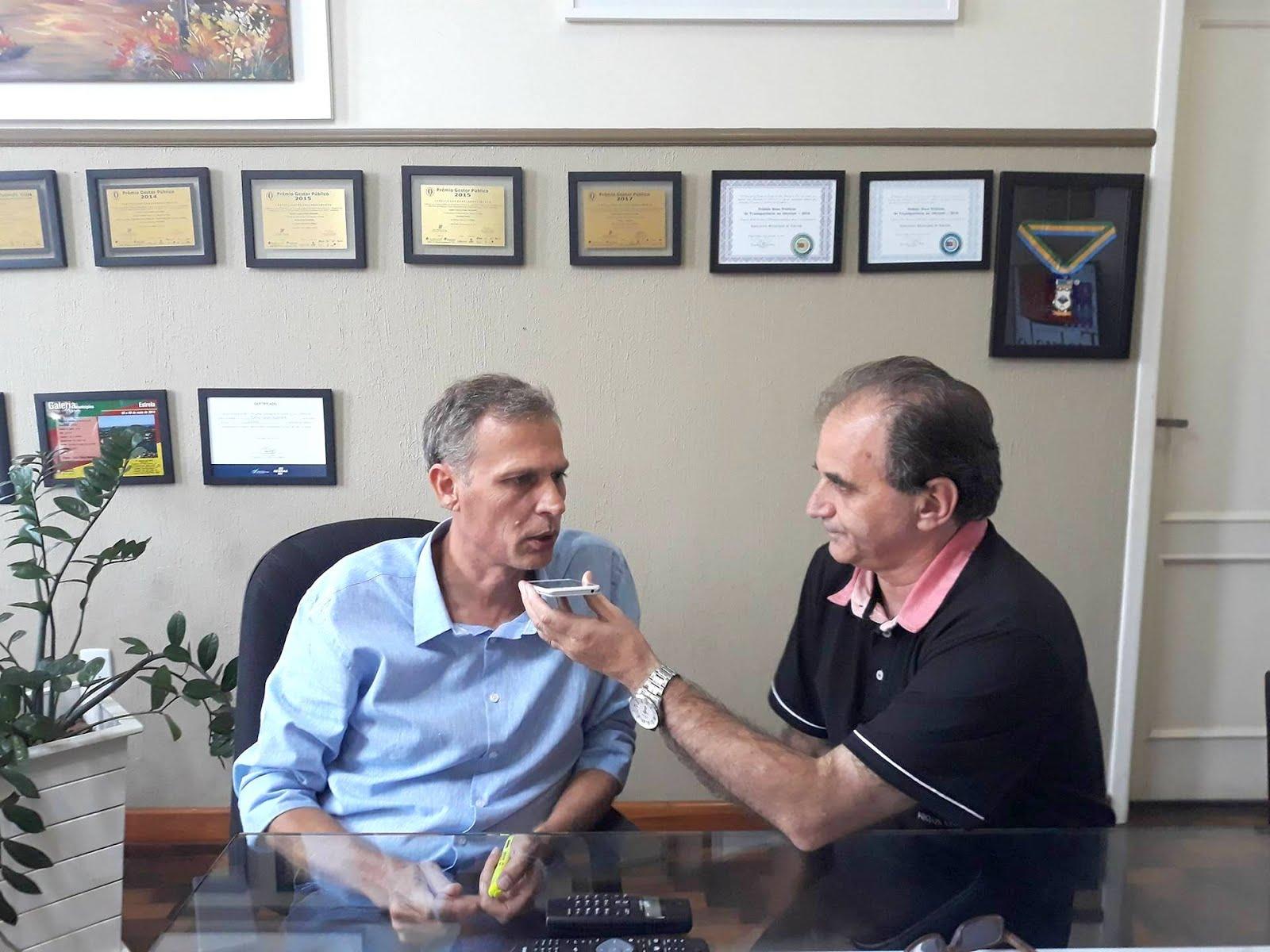 Airton Engster dos Santos com prefeito Carlos Rafael Mallmann