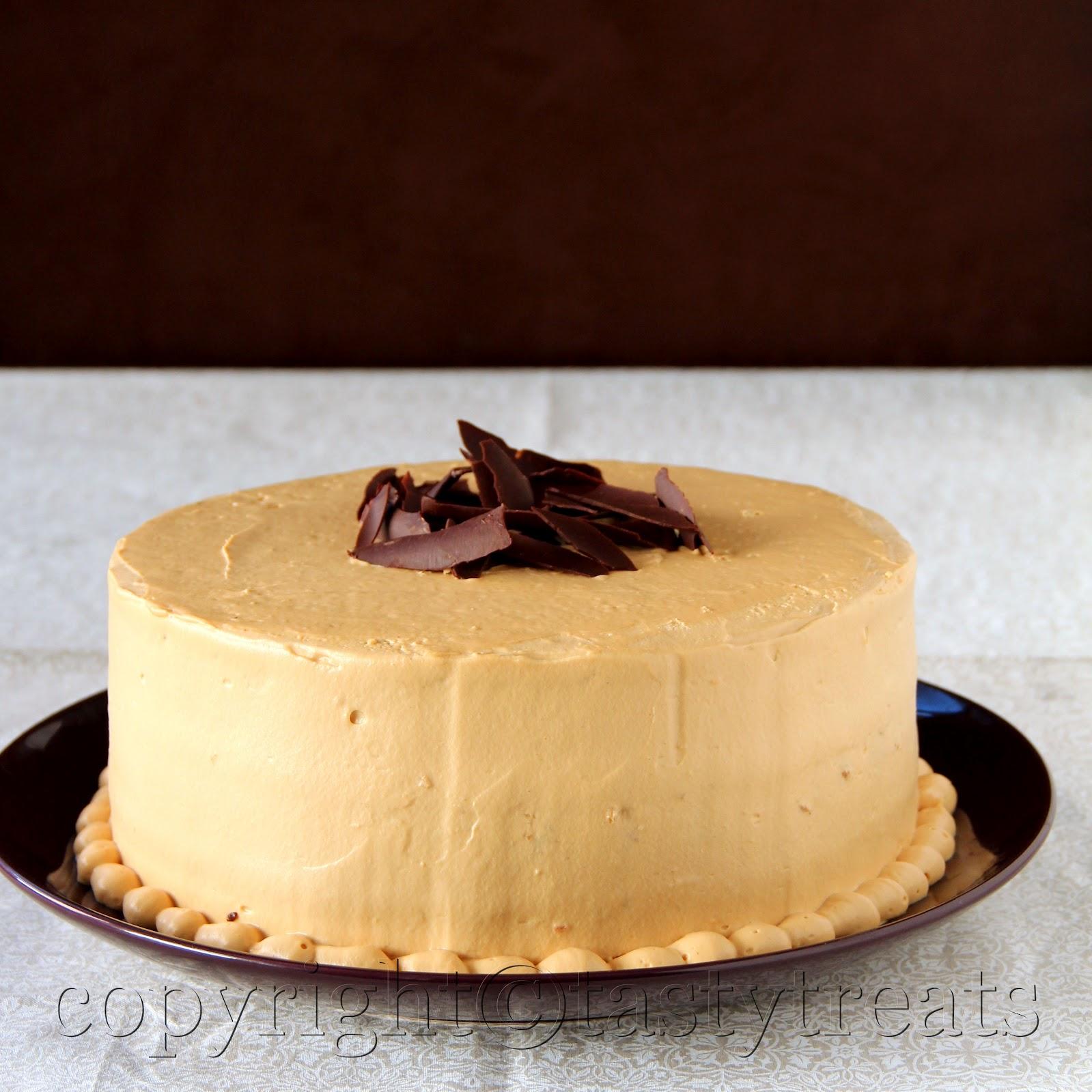 Tasty Treats: Dulce de Leche Cake