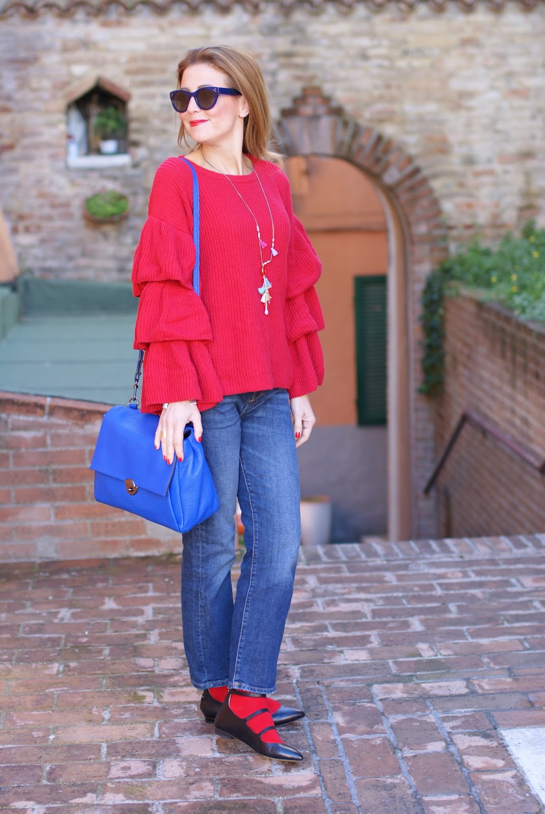 Ruffle sleeves top, Sergio Amaranti shoes and Milly Wythe satchel bag on Fashion and Cookies fashion blog, fashion blogger style