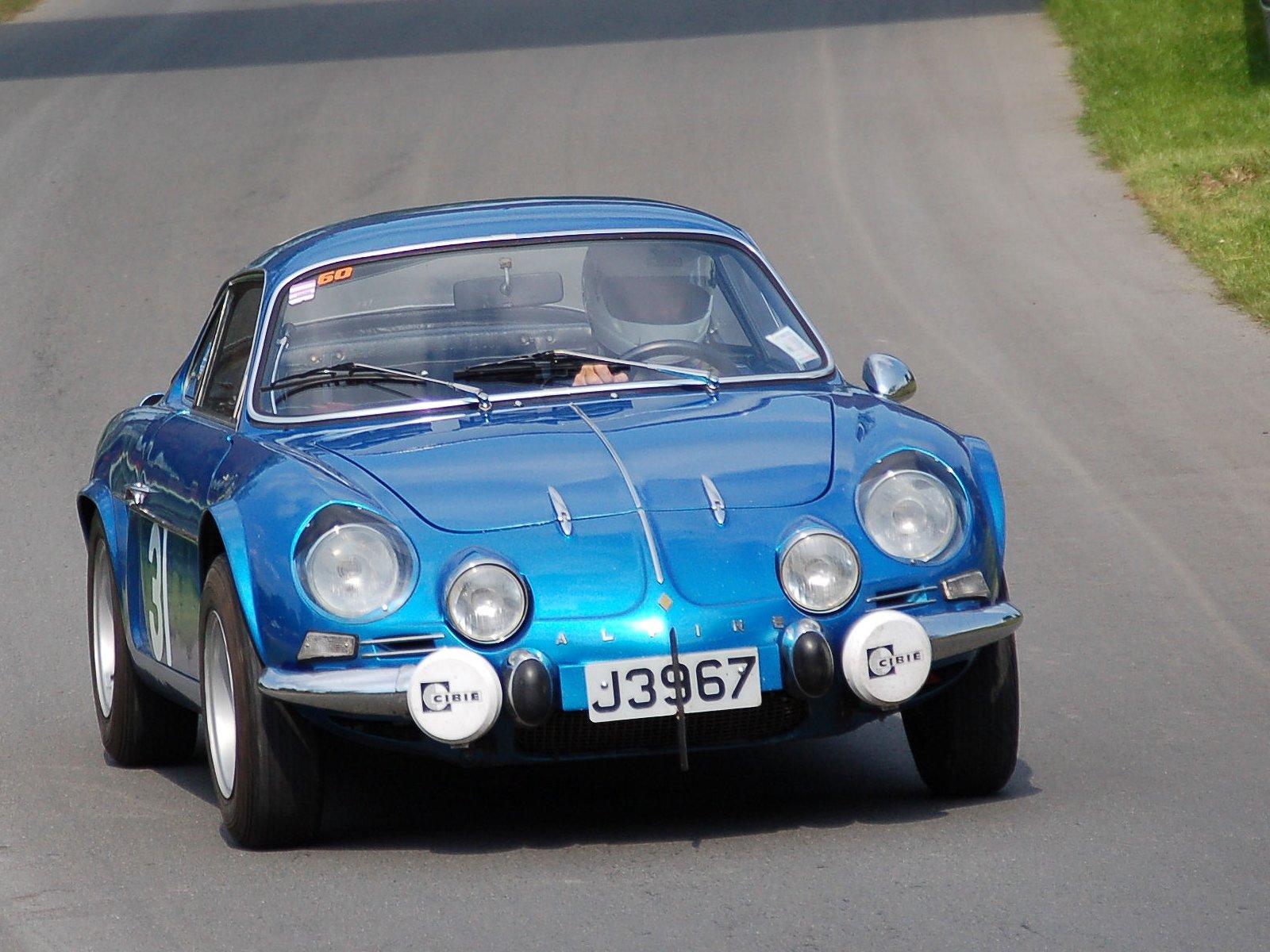 http://4.bp.blogspot.com/-GBChjgZWCHY/T76maH0Hd_I/AAAAAAAACes/jLIryDwmV_w/s1600/The+fascinating+cars+Renault+Alpine+2012-3.jpeg